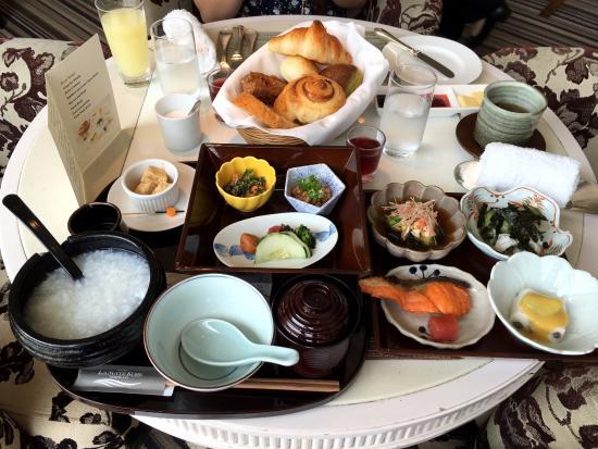 โฮเต็ล ลา สวีท โกเบ ฮาร์เบอร์แลนด์: 豐盛的早餐