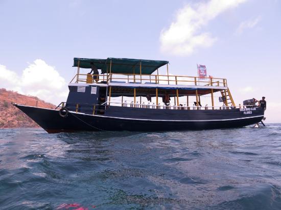 ORCA Dive Club Flores