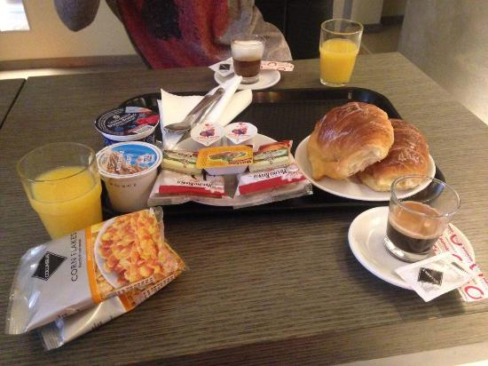 Residenza Borghese: Good breakfast with coffee on your choise