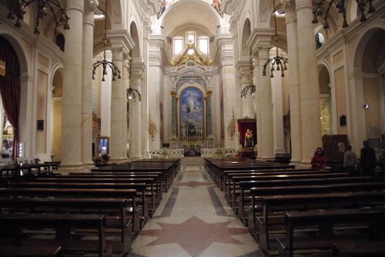 Basilica Pontificia Minore di Sant'Elena Imperatrice: Intérieur