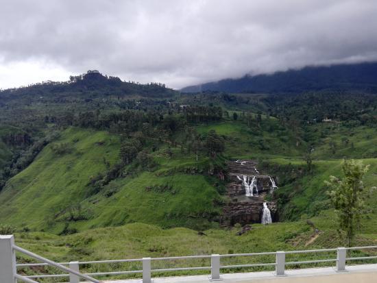The Waterfall Villas : St Clair Waterfall Thalawakale