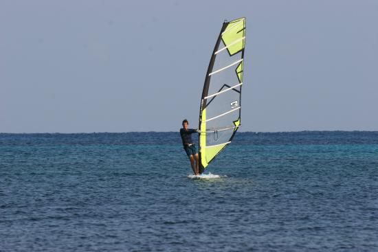 Punta Prima, สเปน: Learn how to windsurf with a SUPaire instructor