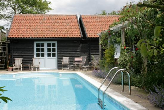 Riverside cottage bewertungen fotos preisvergleich - Suffolk hotels with swimming pool ...