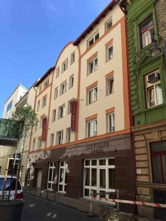 City Hotel Budapest Tarashaz: photo0.jpg