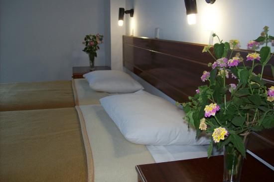 Sotirakis Hotel : ROOM INTERIOR