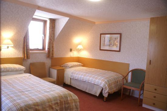 MacDougall Clansman Hotel: MacDougall Clansman Twin Bedroom