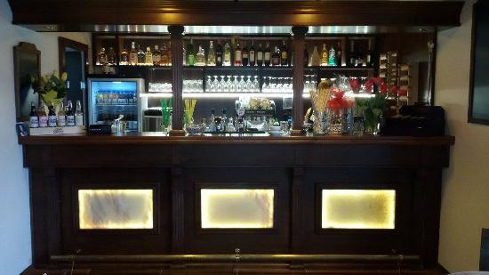 Kurtoszeria Pub & Cafe