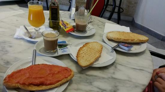 Eden Mar: Desayuno