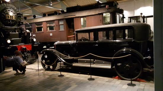Suomen Rautatiemuseo: Even cars used to operate on rails