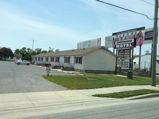 Driftwood Motel Image