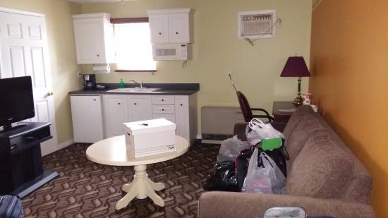 Lakeshore Suites: Living room area, excuse my mess
