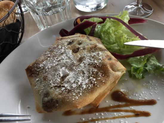 Plouer sur Rance, Francia: Pastilla aux trios Volailes