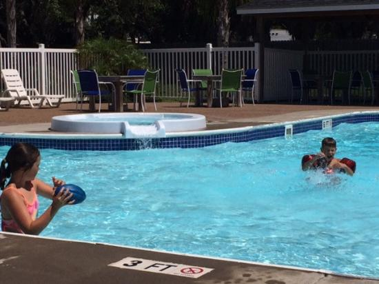 Drifters Resort: Kid friendly pool!