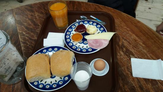 Rugen Island (เกาะรือเกน), เยอรมนี: Frühstück für € 6,50