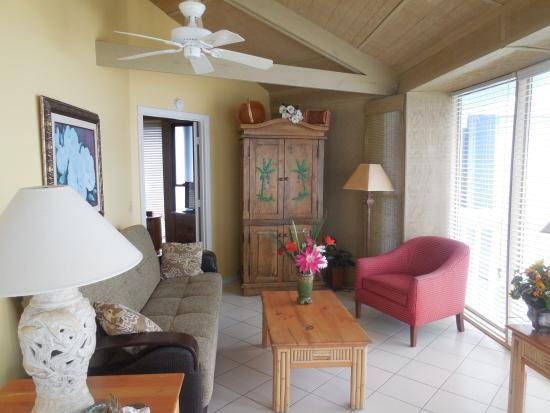 Treasure Cay Beach, Marina & Golf Resort: Living room in the Treasure House
