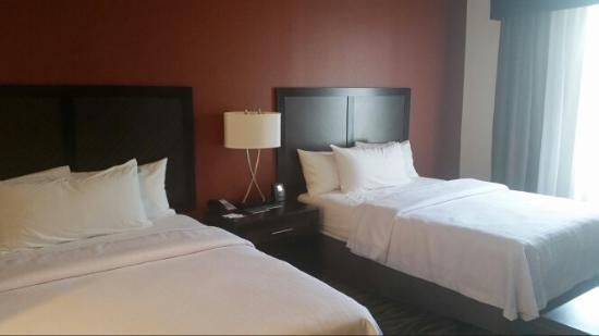 Warrington, Πενσυλβάνια: Bedroom with 2 queen beds
