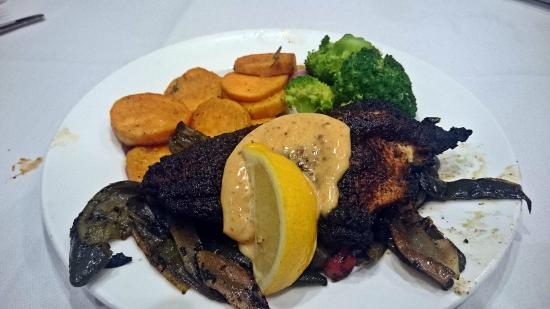 Blythewood, Güney Carolina: Blackened Catfish