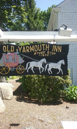 Yarmouth Port, MA: Brunch at Yarmouth Inn