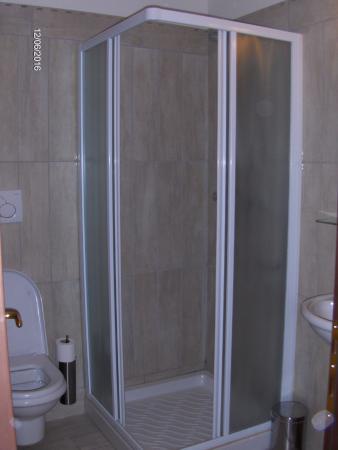Hotel du Louvre: Salle de bain avec douche
