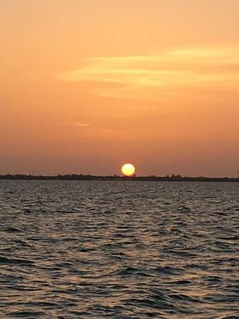 George Town, Wielki Kajman: Beautiful Sunset sail on the Catamaran!