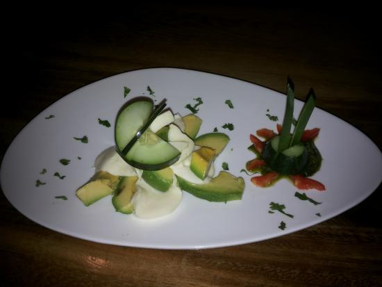 La Colina Steak House : Fresh Mozzarella Salad Caprese.