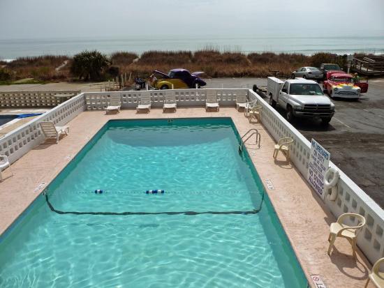 Twilight Surf Motel: Facing the beach!