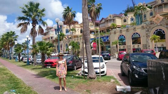 Marigot, St Martin / St Maarten: Lindo mall