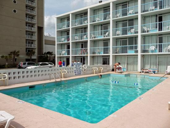Twilight Surf Motel: Enjoy our oceanfront pool !