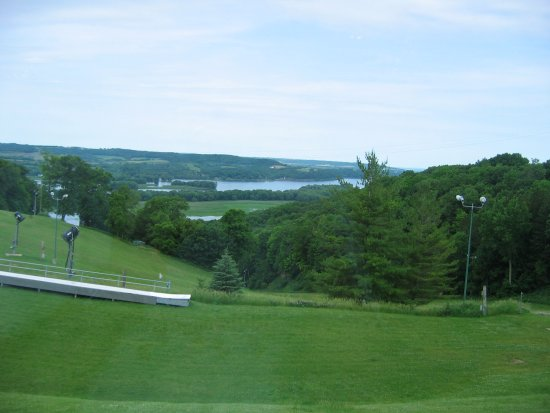 Chestnut Mountain Resort: Overlooking ski slopes and Mississippi River