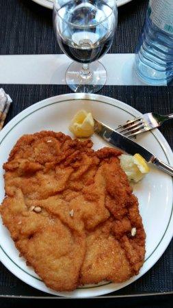 Hotel ibis Wien Mariahilf: Wienner Schitzel
