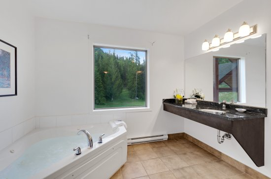 Balfour, Canadá: Bathroom