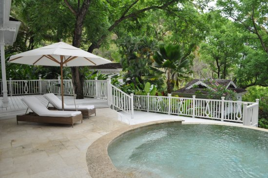 Sugar Beach, A Viceroy Resort: Our patio and private pool