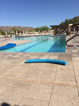 JW Marriott Scottsdale Camelback Inn Resort & Spa: Very nice. Clean, great pool, the food was very good. I did the hiking trail as well. I was here