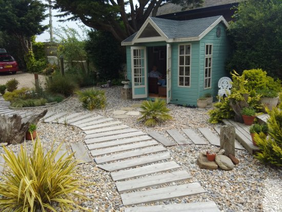 The Old Vicarage at Rye Harbour: Garden