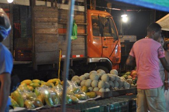 Farmers Fair (Ferias del Agricultor): Market Produce and Truck