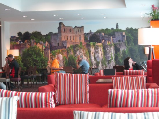 Hampton by hilton newport east hotel magor pays de for Salle a manger wales