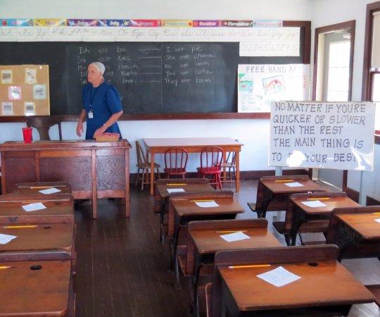 Schulzimmer Mit Lehrerin Bild Von The Amish Village Strasburg
