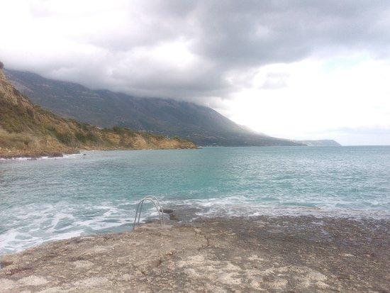 Agios Thomas Beach: για βουτιές!