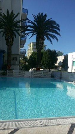 Piscina Foto Di Hotel Bernard San Benedetto Del Tronto Tripadvisor