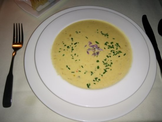 Peter Havens Restaurant: Corn chowder