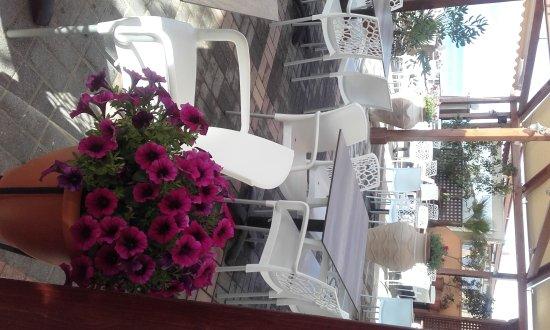 Carpe Diem Restaurant Bar: New look!