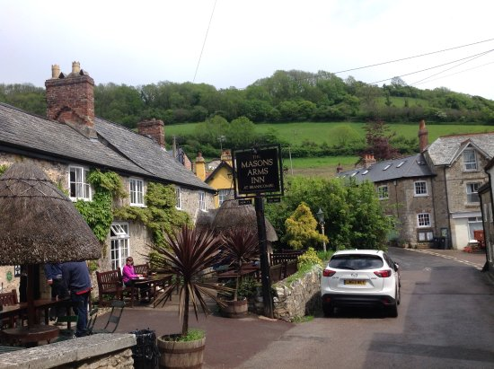 Branscombe, UK: Masons Arms front view!