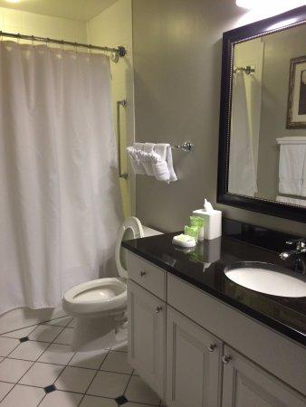 Absecon, NJ : Smaller room/bathroom