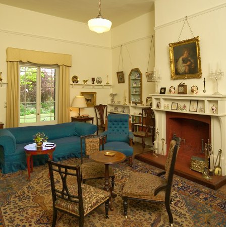 Bathurst, Australia: Miss Traill's Drawing Room