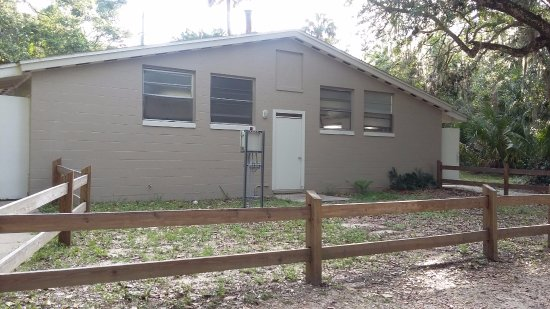 Tomoka State Park : Restroom building, very clean
