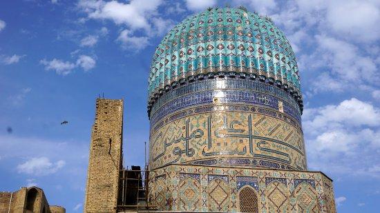 Bibi Khanym Mosque: dome of Bibi Khanum mosque