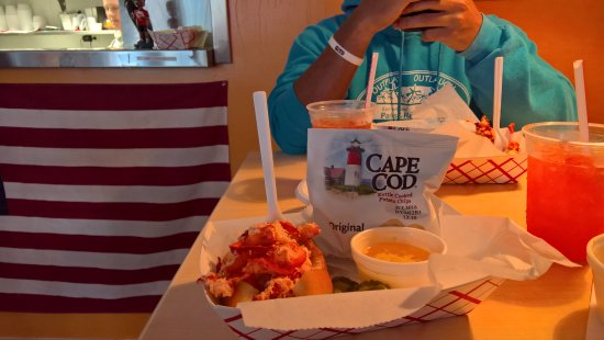Lobster Roll With Hot Butter Picture Of The Raw Bar On Ocean Street Hyannis Tripadvisor