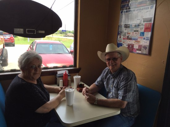 Whitney, TX: This cowboy agreed with me that the green chili cheeseburger was juicy and delicious