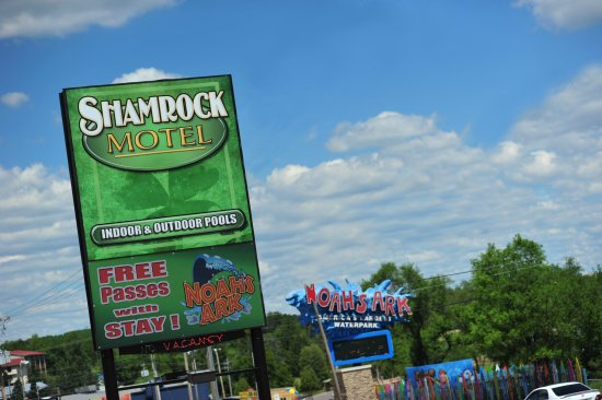 Shamrock Motel Resort & Suites: Great Location!