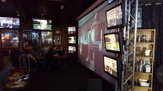 Ricky's Sports Theatre And Grill: 20160613_174123_large.jpg